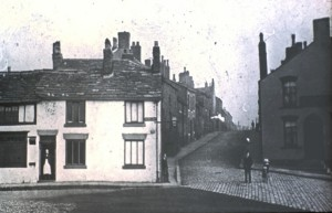 Cruck cottages on New St (north of the square)